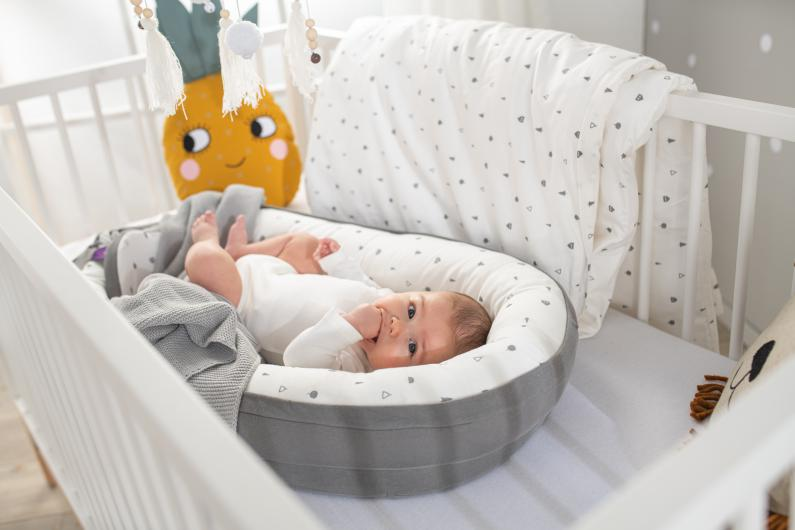 Nest Home Star dream yellow with baby