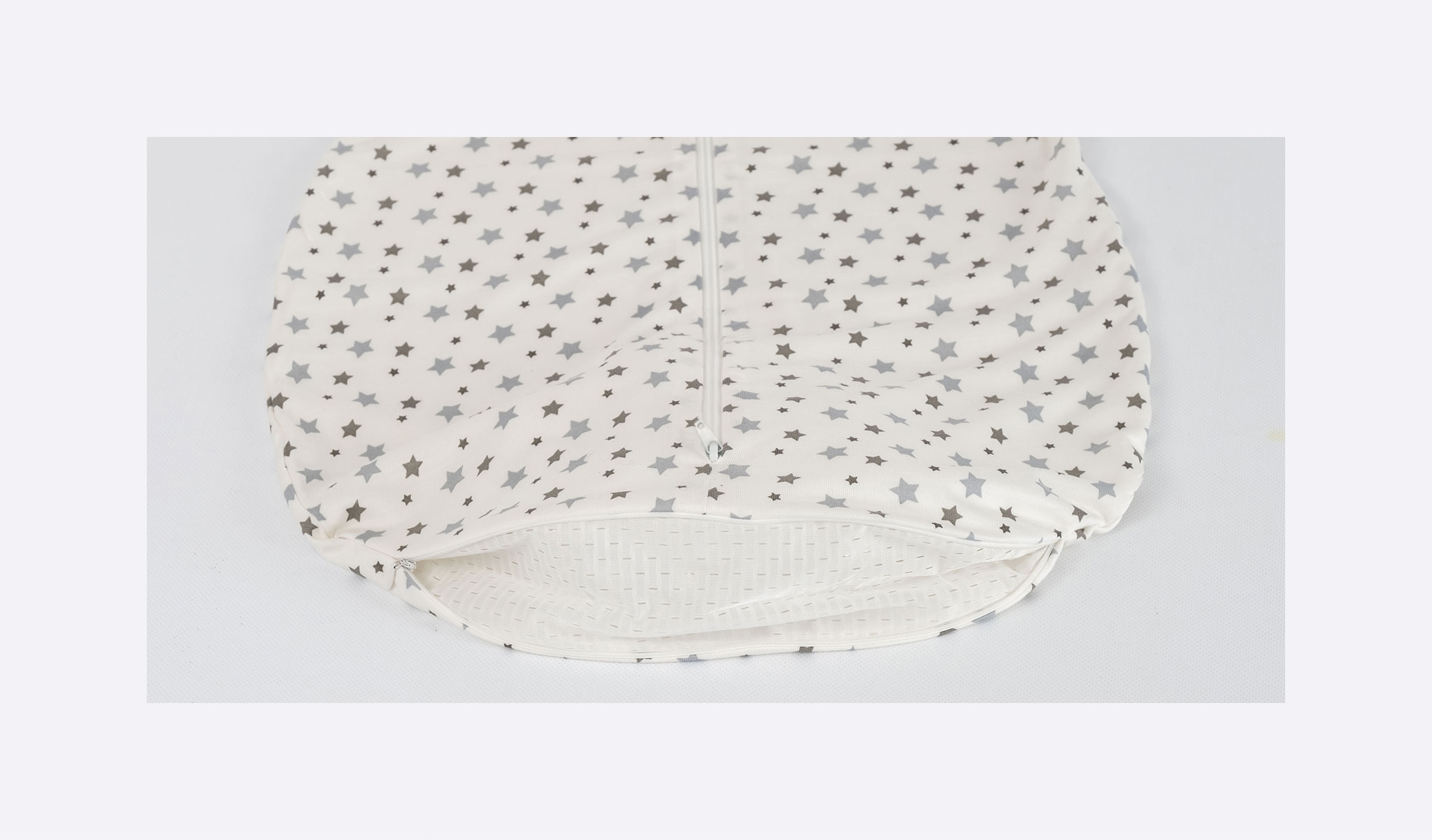 S0300303 - summer sleeping bag white with grey stars
